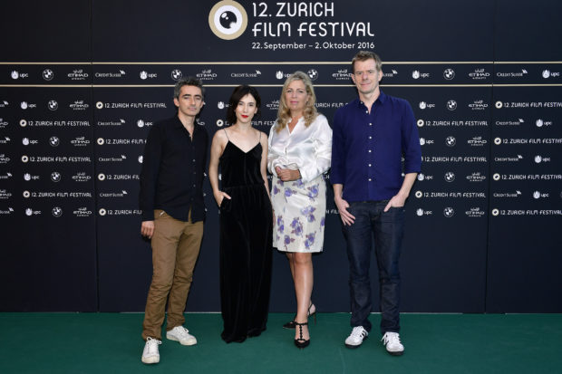 ZURICH, SWITZERLAND - SEPTEMBER 29:  Member of the jury for international movie David Farr, Sibel Kekilli, president of the jury Lone Scherfig and Graham Broadbent pose for photographs at the photocall of the jury during the 12th Zurich Film Festival on September 29, 2016 in Zurich, Switzerland. The Zurich Film Festival 2016 will take place from September 22 until October 2.  (Photo by Alexander Koerner/Getty Images) *** Local Caption *** David Farr; Sibel Kekilli; Lone Scherfig; Graham Broadbent